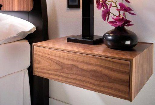 Comodino sospeso elegante in legno