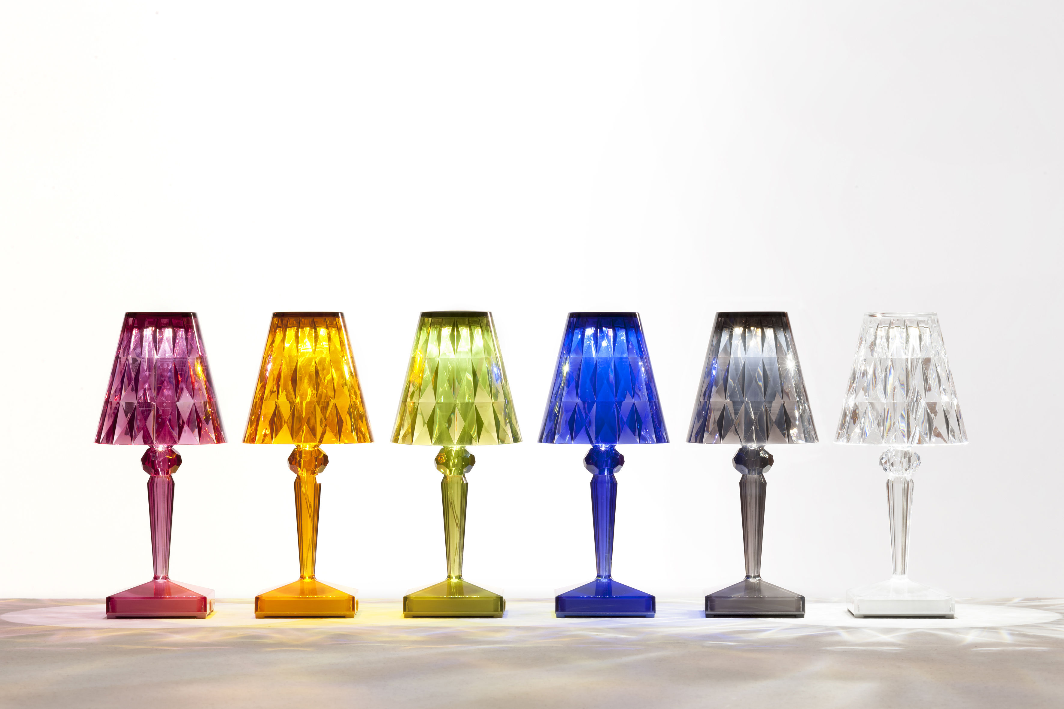 Lampade Kartell senza fili colorate